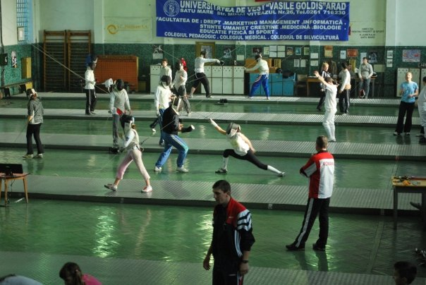 London Fencing Club trip to Satu Mare sala de scrima